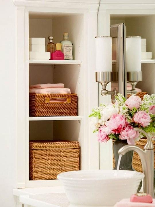 Самые лучшие идеи хранения вещей в ванной комнате (16)