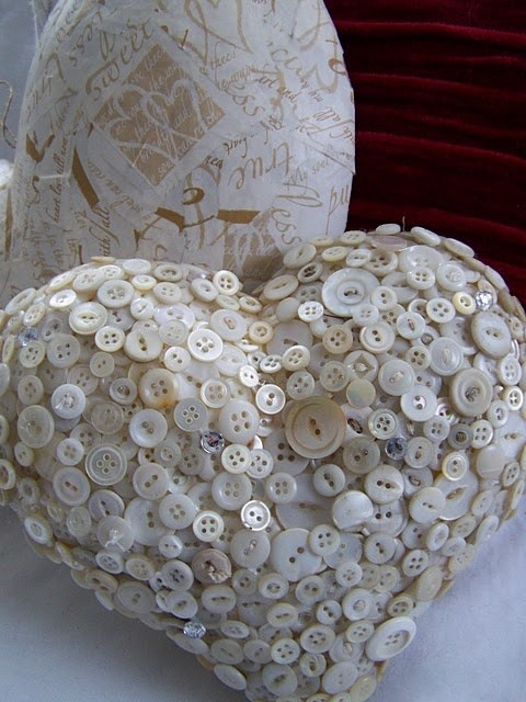 Валентинки из пуговиц (6)