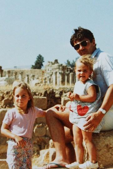 Кейт и Пиппа Миддлтон, в возрасте четырех и трех лет