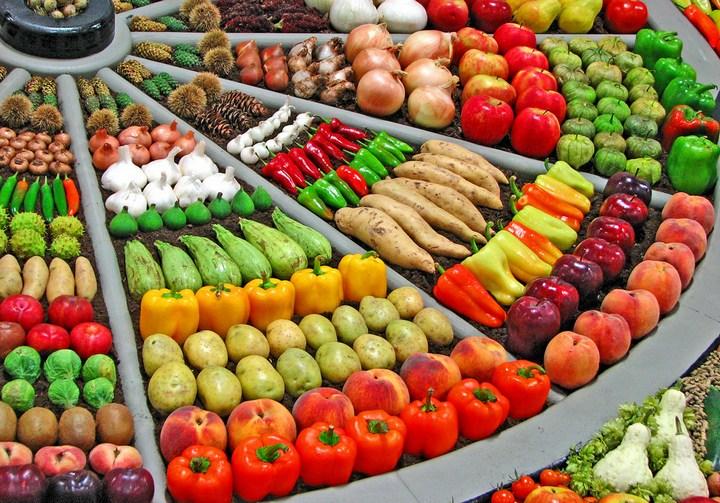 Красивые раскладки овощей и фруктов в магазинах (10)
