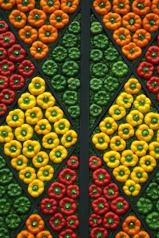 Красивые раскладки овощей и фруктов в магазинах (12)
