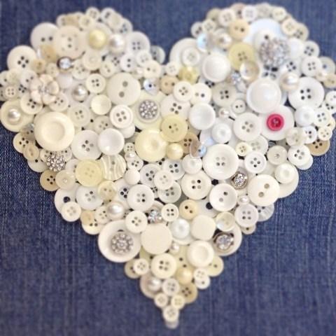 Валентинки из пуговиц (15)