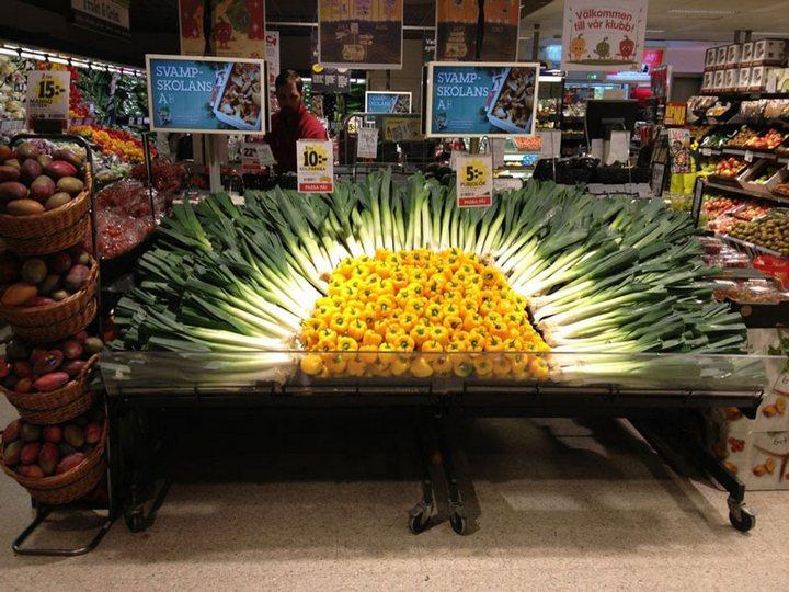 Красивые раскладки овощей и фруктов в магазинах (11)