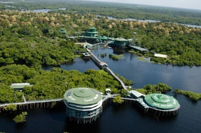 20 самых удивительных отелей в мире (8)