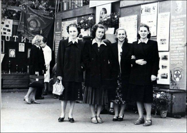 Девушки советской эпохи (17)