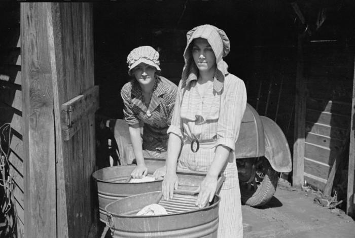 Как в прошлые времена хозяйки стирали белье (6)