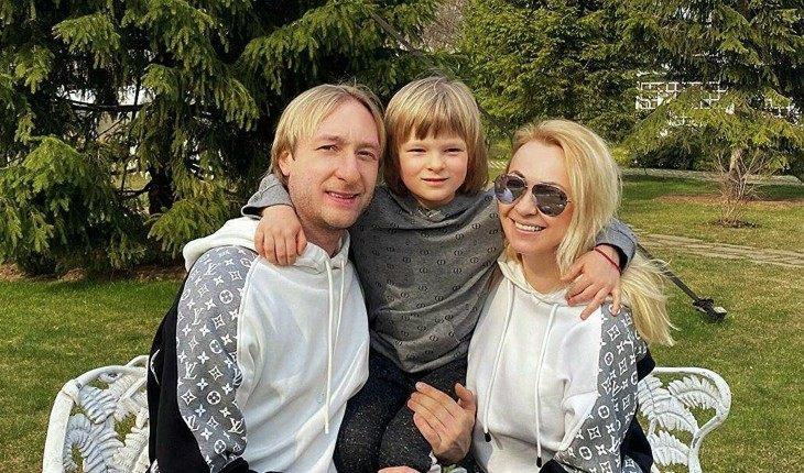 Яна Рудковская и Евгенией Плющенко